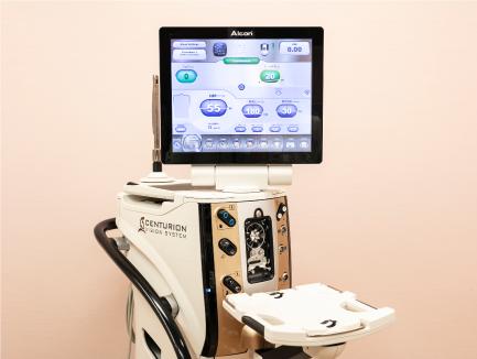 アルコン次世代白内障手術装置